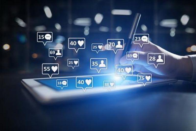 https: img.okezone.com content 2019 08 28 320 2097760 10-cara-mudah-membangun-dan-mempertahankan-brand-di-media-sosial-FDM7oEfxdJ.jpg