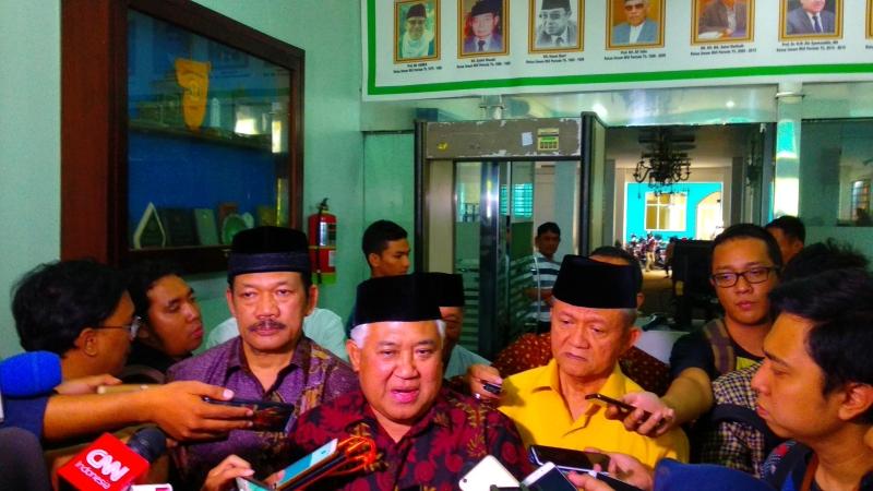 https: img.okezone.com content 2019 08 28 337 2097789 din-syamsuddin-minta-jokowi-fokus-selesaikan-konflik-dan-ketidakadilan-di-papua-9qVscwHzsN.jpg