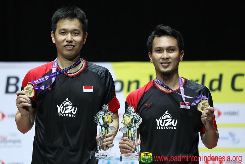 https: img.okezone.com content 2019 08 28 40 2097800 ahsan-hendra-harapkan-gelar-juara-dunia-pacu-pebulu-tangkis-muda-indonesia-S1HjrE9DbL.jpg