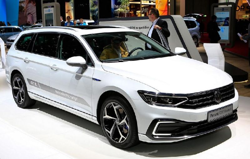 https: img.okezone.com content 2019 08 28 52 2097556 volkswagen-perbesar-kapasitas-daya-baterai-passat-hybrid-0fdpKa9nGS.jpg