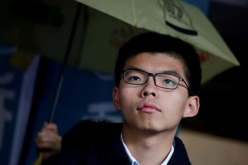 https: img.okezone.com content 2019 08 30 18 2098469 aktivis-pro-demokrasi-hong-kong-joshua-wong-kembali-ditangkap-RyD7RdzC4h.jpg