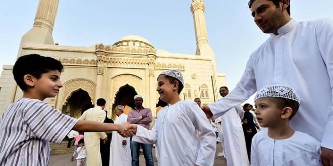 https: img.okezone.com content 2019 08 30 614 2098505 dahsyatnya-makna-mengucapkan-salam-kepada-sesama-muslim-4SPbj6FyHe.jpg
