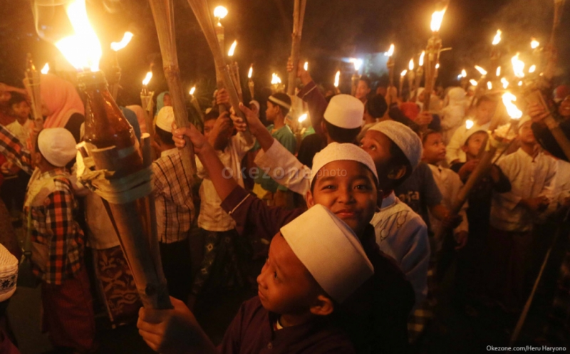 https: img.okezone.com content 2019 09 01 340 2099117 ribuan-obor-dan-salawat-nabi-sambut-tahun-baru-islam-di-mandailing-natal-hdLxM7g5WZ.jpg