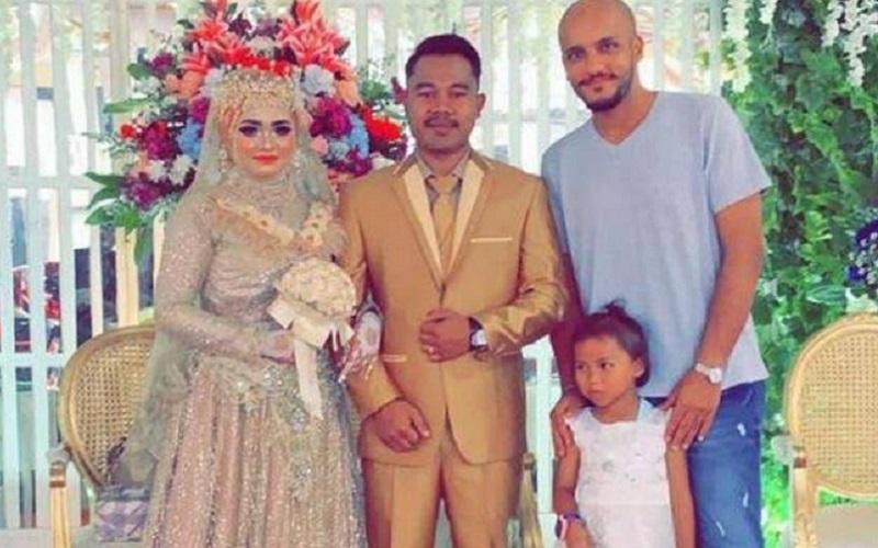 https: img.okezone.com content 2019 09 01 614 2099320 majikan-asal-saudi-rela-hadiri-undangan-pernikahan-pembantunya-di-indonesia-7d8pqwQqvb.jpg