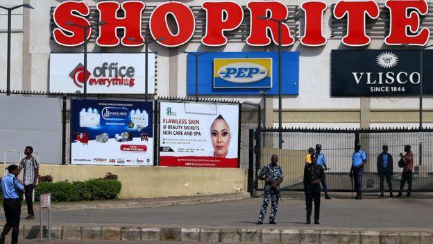 https: img.okezone.com content 2019 09 05 18 2101146 buntut-kerusuhan-anti-warga-asing-afsel-tutup-kedutaannya-di-nigeria-AAR5rCJxjt.jpg