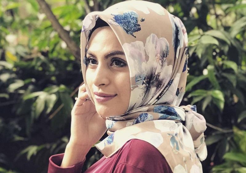 https: img.okezone.com content 2019 09 05 33 2101190 asha-shara-klarifikasi-rumor-soal-lepas-hijab-q8JGvZBeYp.jpg