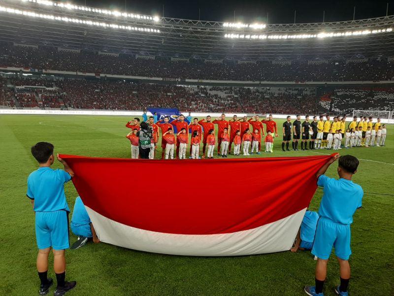 https: img.okezone.com content 2019 09 05 51 2101234 ini-penyebab-laga-timnas-indonesia-vs-malaysia-sempat-terhenti-yUlpQ5HWvA.jpg