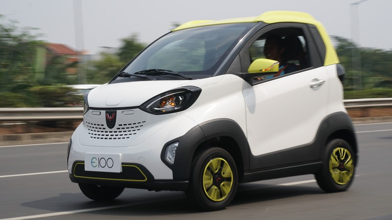 Konvoi Uji Jalan Mobil Listrik Wuling E100 Berhasil Tempuh Jarak 40 Kilometer Okezone Otomotif