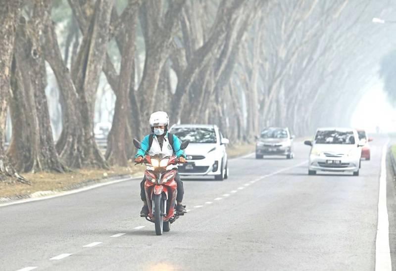 https: img.okezone.com content 2019 09 10 18 2102870 malaysia-siap-bantu-indonesia-atasi-kebakaran-hutan-di-kalimantan-dan-sumatra-TnfAzUxM5E.jpeg