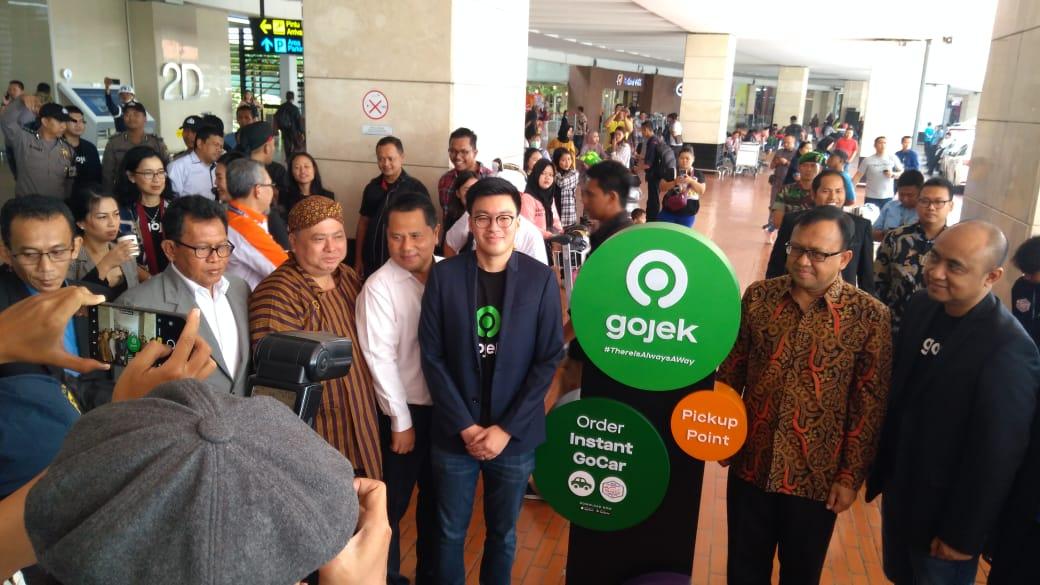 https: img.okezone.com content 2019 09 10 320 2102868 gojek-ditolak-di-malaysia-begini-reaksi-kemenhub-TDNSk4xtia.jpg