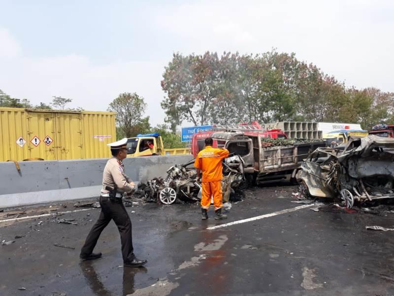 https: img.okezone.com content 2019 09 10 52 2103132 kecelakaan-cipularang-pakar-safety-driving-kemampuan-pengemudi-deteksi-bahaya-minim-HeO0qXiUjy.jpeg