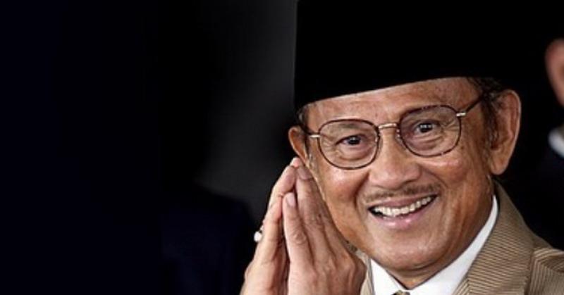 https: img.okezone.com content 2019 09 11 206 2103684 3-film-bj-habibie-yang-menginspirasi-indonesia-E6Tou79QTg.jpg