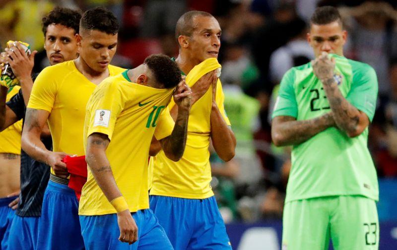 https: img.okezone.com content 2019 09 11 51 2103396 gol-menit-akhir-buat-timnas-brasil-takluk-0-1-dari-peru-ngasSnEC0S.jpg