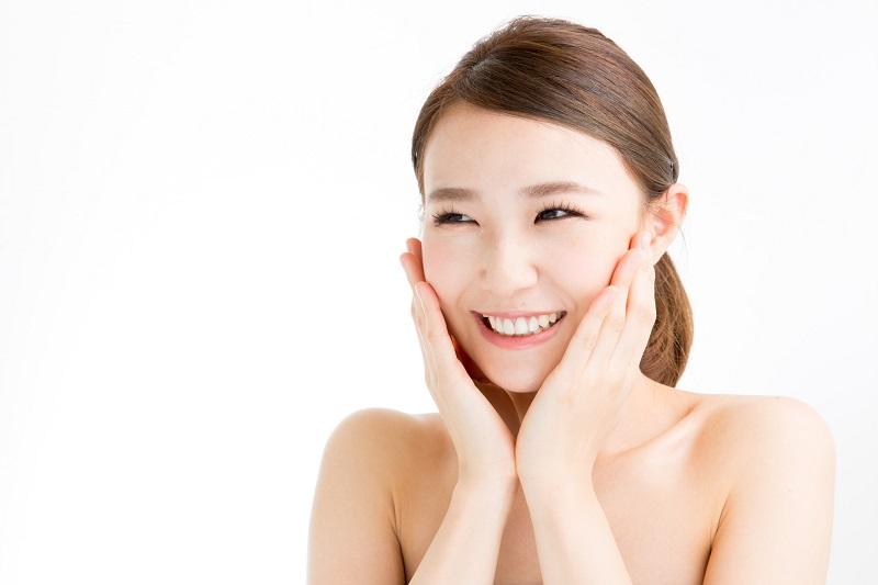 Madu memiliki efek menghidrasi pada kulit Anda. Mudah untuk menuntut dan sangat efektif.