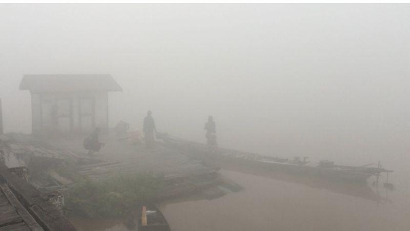 https: img.okezone.com content 2019 09 12 340 2103919 kabut-asap-di-pangkalan-bun-kian-parah-transportasi-sungai-lumpuh-total-dJELqggJIq.jpg
