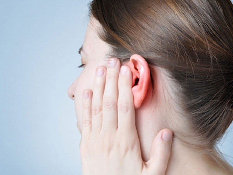 https: img.okezone.com content 2019 09 12 481 2104149 alami-gatal-dokter-kaget-temukan-ratusan-spora-jamur-di-telinga-wanita-ini-HM3Ojjr767.jpg