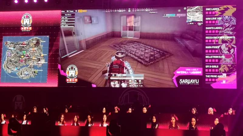 https: img.okezone.com content 2019 09 13 326 2104530 16-tim-gamer-perempuan-beraksi-di-turnamen-pubg-mobile-idbytes-esport-2019-uP57rru5N8.jpg