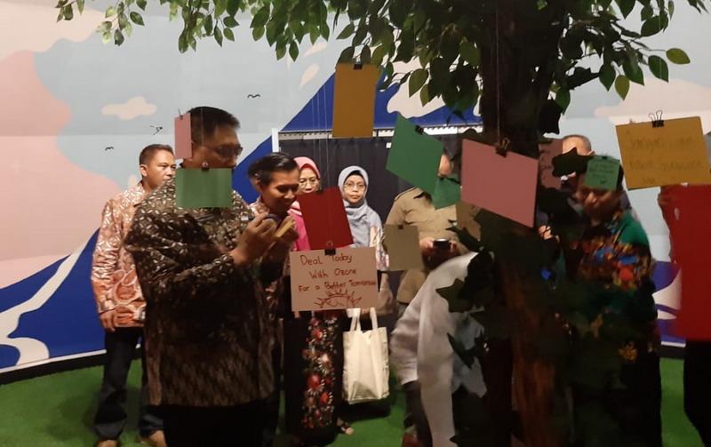 https: img.okezone.com content 2019 09 16 1 2105500 wahana-ozon-agar-masyarakat-indonesia-peduli-lapisan-ozon-6k62lUeW4a.jpg