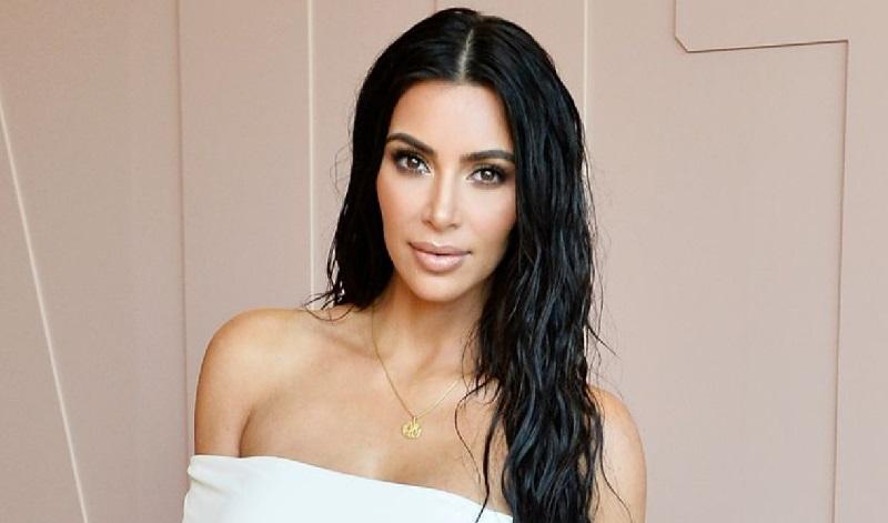 https: img.okezone.com content 2019 09 16 196 2105454 urus-empat-anak-kim-kardashian-ngaku-kewalahan-goo6Y065wt.jpg