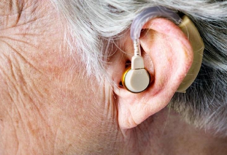 https: img.okezone.com content 2019 09 16 481 2105612 penderita-gangguan-pendengaran-berisiko-demensia-nLh9fcW585.jpg