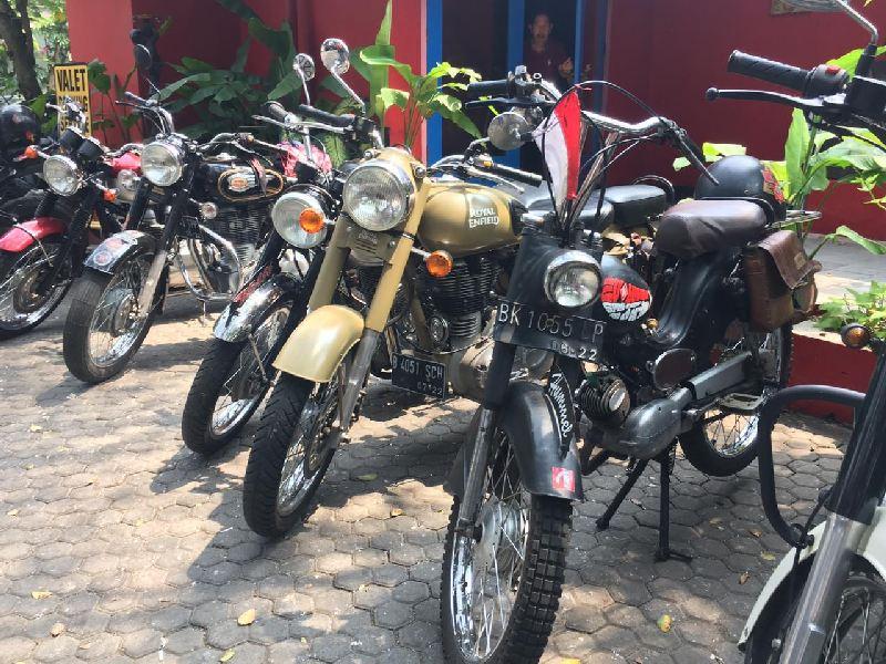 https: img.okezone.com content 2019 09 17 199 2105934 rayakan-hari-jadi-komunitas-bikers-brotherhood-1-mc-angkat-ketenaran-kemayoran-MLJYlasVvS.jpg
