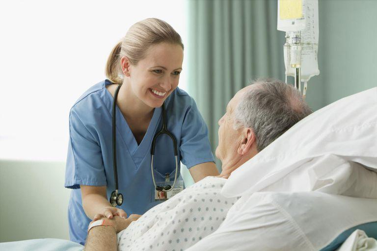 https: img.okezone.com content 2019 09 18 612 2106387 viral-suster-ajak-pasien-joget-bareng-netizen-obat-segala-penyakit-itu-bahagia-JViuZMxZAB.jpg
