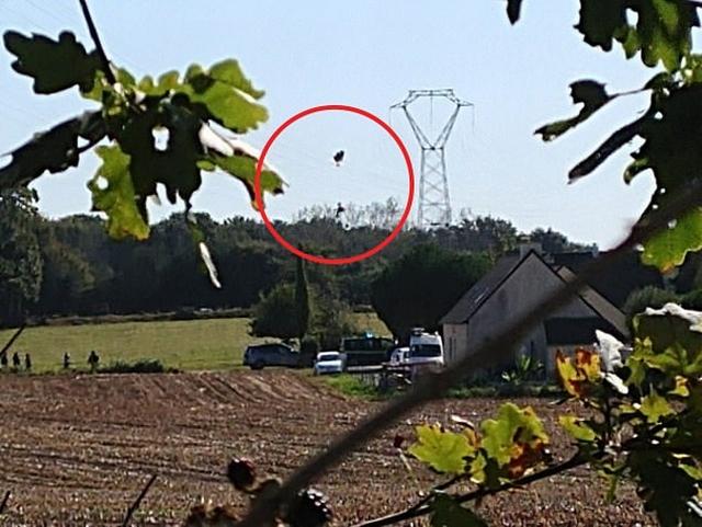 https: img.okezone.com content 2019 09 19 18 2107024 jet-f-16-jatuh-pilot-tersangkut-di-kabel-listrik-yf0rG12Ils.jpg