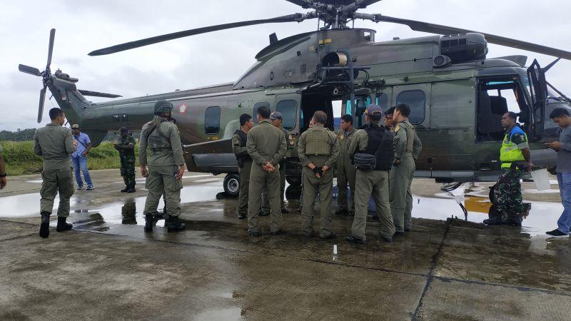 https: img.okezone.com content 2019 09 19 337 2106705 pesawat-twin-otter-yang-hilang-kontak-di-papua-diduga-mendarat-darurat-h1MTml92UB.jpg