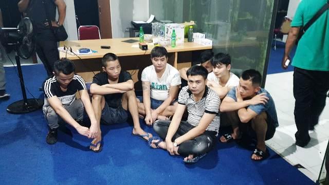https: img.okezone.com content 2019 09 19 337 2106772 lakukan-penipuan-47-wna-asal-china-dan-taiwan-ditangkap-polisi-hMGWPgdEQ9.jpg