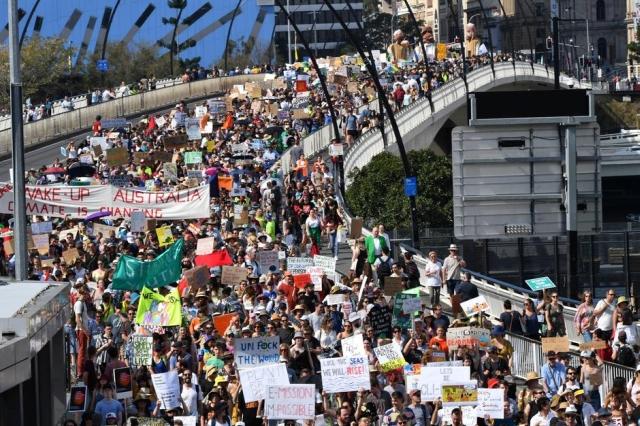 https: img.okezone.com content 2019 09 20 18 2107343 pelajar-australia-dan-asia-melawan-perubahan-iklim-9KaxBv7Tdu.jpg