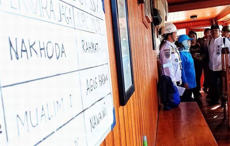https: img.okezone.com content 2019 09 20 320 2107487 world-maritime-day-ini-kiprah-wanita-ri-di-sektor-maritim-lBAN3C16SP.jpg