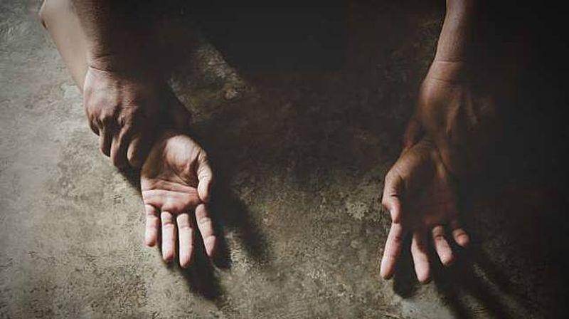 https: img.okezone.com content 2019 09 20 612 2107327 ternyata-banyak-perempuan-jalani-berhubungan-badan-pertama-kali-karena-diperkosa-hGWa0NvTde.jpg