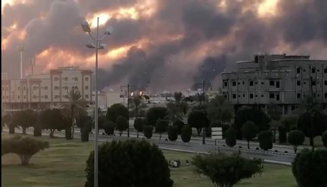 https: img.okezone.com content 2019 09 21 18 2107608 as-kirim-pasukan-tambahan-imbas-serangan-fasilitas-minyak-saudi-B6FJX5GRMP.jpg