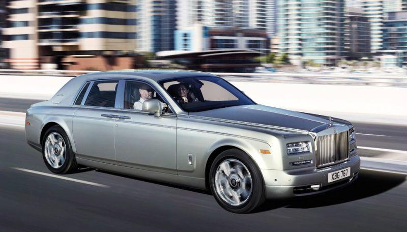 https: img.okezone.com content 2019 09 22 52 2107908 mobil-mewah-seharga-miliaran-yang-digunakan-artis-hollywood-untuk-liburan-kBEtheuRzZ.jpg