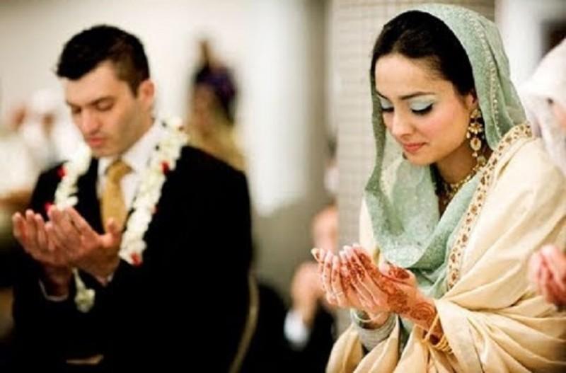 https: img.okezone.com content 2019 09 22 614 2107851 nikah-muda-demi-hindari-zina-apa-hukumnya-dalam-islam-m3D7RHcAOT.jpg