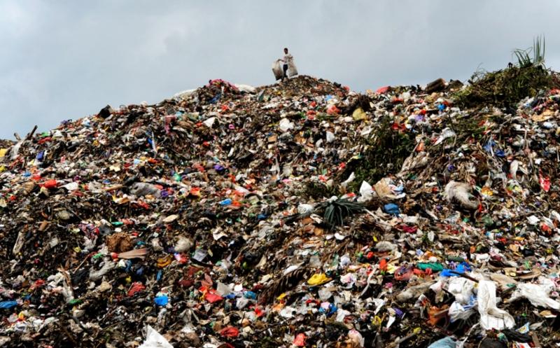 https: img.okezone.com content 2019 09 23 340 2108391 kurangi-limbah-plastik-warga-aceh-barat-kumpulkan-1-9-ton-sampah-LeL8tTGpwd.jpg