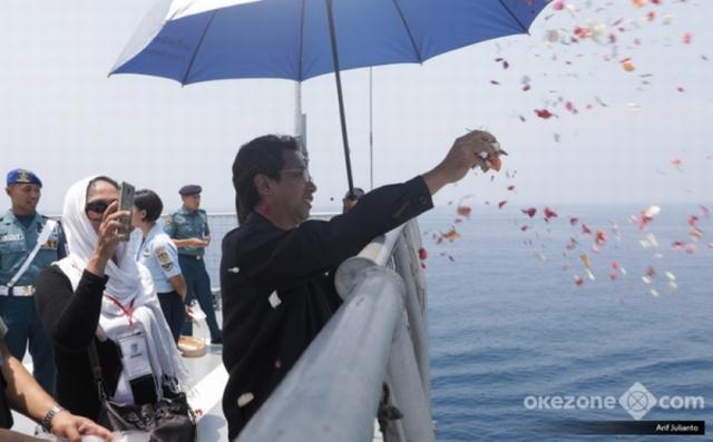 https: img.okezone.com content 2019 09 24 18 2108545 boeing-beri-rp2-miliar-untuk-keluarga-korban-pesawat-jatuh-737-max-uF5oRT2tvc.jpg