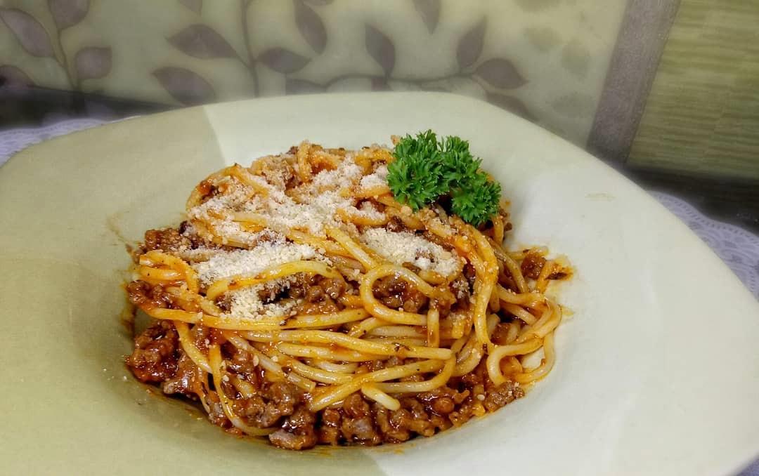 https: img.okezone.com content 2019 09 24 298 2108501 resep-olahan-spaghetti-untuk-menu-makan-siang-selezat-di-restoran-bintang-5-DSqBUvNXpI.jpg