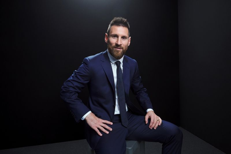 https: img.okezone.com content 2019 09 24 51 2108627 5-pemain-terakhir-yang-menangi-trofi-pesepakbola-terbaik-uo4KJyFpj2.jpg