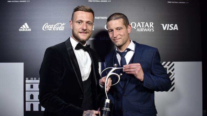 https: img.okezone.com content 2019 09 24 51 2108721 alasan-fifa-fair-play-award-2019-jadi-milik-leeds-united-ZwtXq9vXRa.jpg