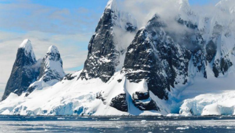 https: img.okezone.com content 2019 09 25 612 2109093 ilmuwan-temukan-hewan-aneh-di-antartika-ada-3-500-di-bawah-es-wbRHusxIOu.jpg