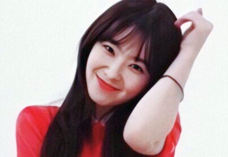 https: img.okezone.com content 2019 09 26 194 2109517 pakai-dress-geometris-irene-red-velvet-cantik-bak-dewi-yunani-4kZ8KdBlNm.jpg