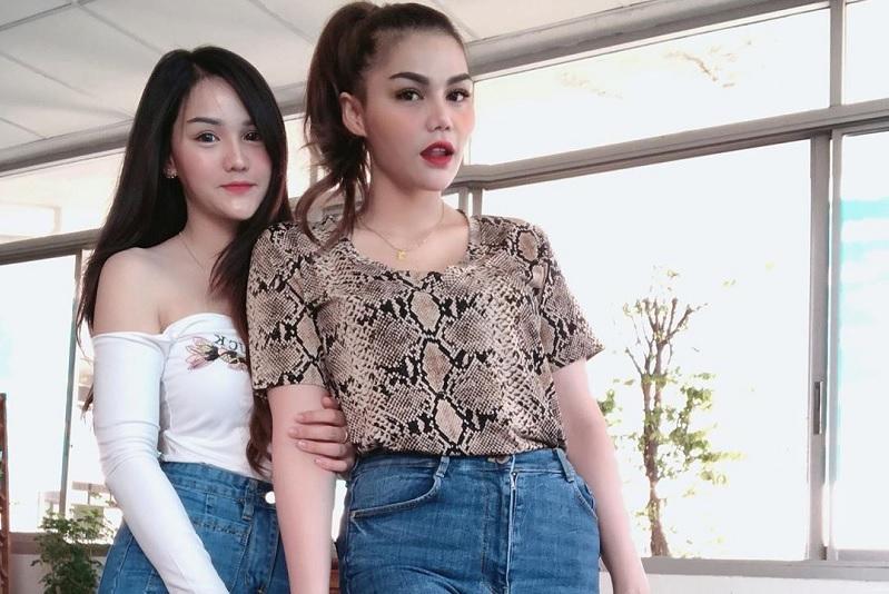 https: img.okezone.com content 2019 09 26 33 2109783 kumpul-keluarga-di-thailand-wajah-cantik-adik-dj-katty-butterfly-jadi-sorotan-VFGA88wYmC.jpg