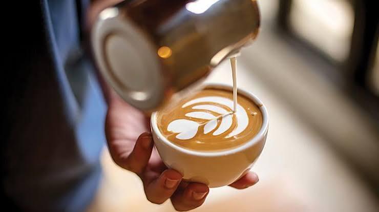 https: img.okezone.com content 2019 09 27 298 2110283 5-jenis-minuman-kopi-yang-harus-diketahui-pemula-jangan-sampai-salah-pesan-iPxqu3Ps6C.jpg