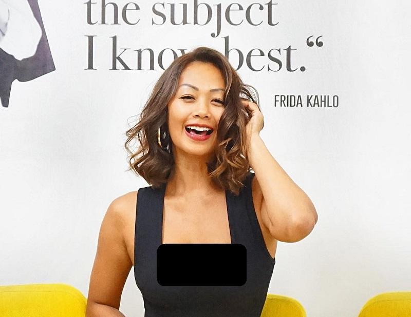 https: img.okezone.com content 2019 09 29 33 2110773 5-foto-ini-buktikan-indah-kalalo-hot-mama-di-usia-39-tahun-So0zm8FiOH.jpg