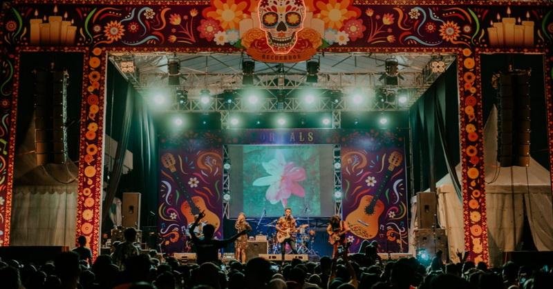 https: img.okezone.com content 2019 09 30 205 2111052 serunya-raisa-hingga-padi-reborn-di-festival-fortals-recuerdos-2019-FA02HtxWrr.jpeg