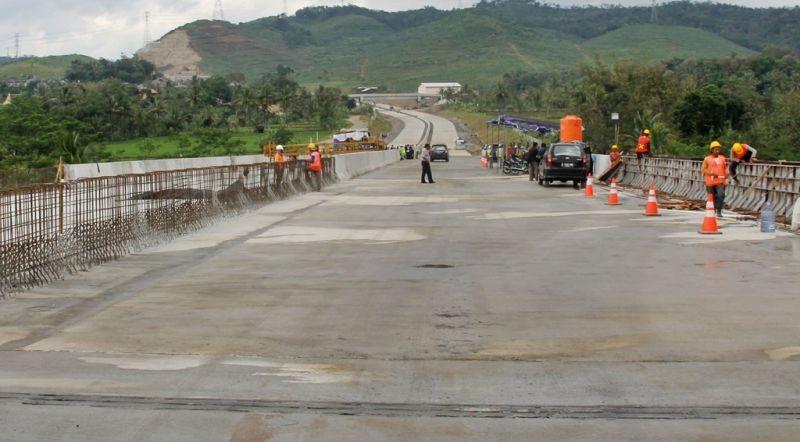 https: img.okezone.com content 2019 09 30 470 2111032 dulu-daerah-rawan-kini-pembangunan-di-perbatasan-dikebut-4MBmUW8u4n.jpg