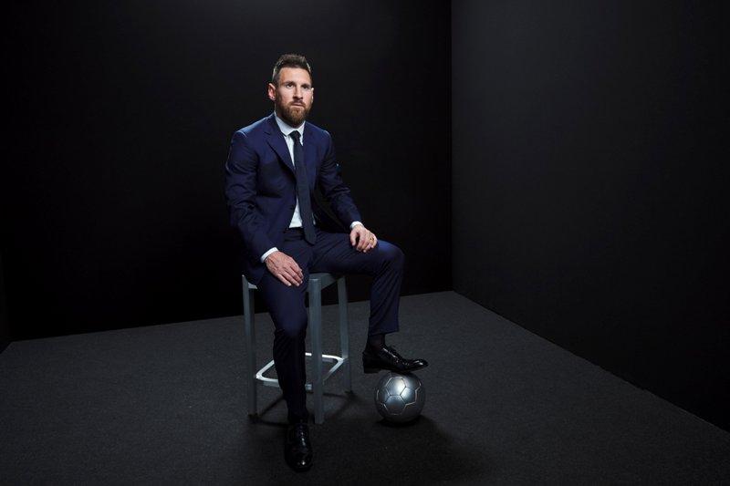 https: img.okezone.com content 2019 09 30 51 2111151 3-pemain-yang-bisa-hentikan-messi-sabet-trofi-ballon-dor-2019-GW47NIuODH.jpg