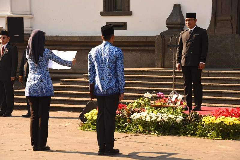 https: img.okezone.com content 2019 10 01 1 2111539 ridwan-kamil-keutuhan-nkri-bukti-bangsa-indonesia-berhasil-jaga-pancasila-Uj4Ab4ppBf.jpg