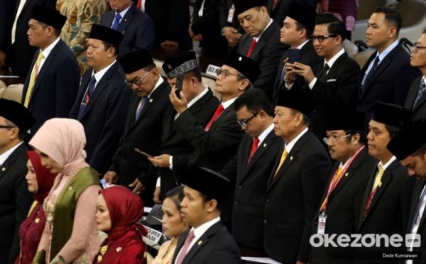 Anggota DPR 2019-2024 Baru Dilantik, Berapa Gaji per Bulan ...